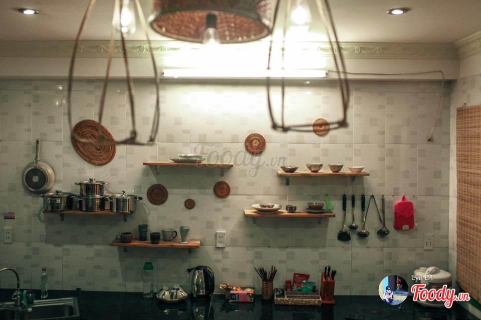 Những vật dụng nhỏ xinh được bài trí bắt mắt trong phòng bếp, giúp bạn có nhiều cảm hứng trổ tài hơn