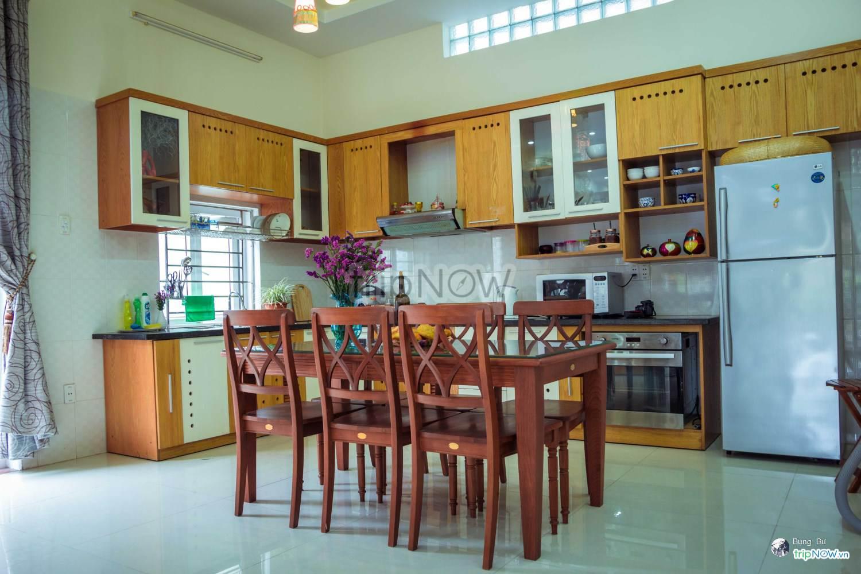 Căn bếp nhỏ xinh đầy đủ thiết bị hiện đại của Pura homestay